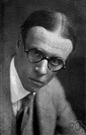 Harry Sinclair Lewis - United States novelist who satirized middle-class America in his novel Main Street (1885-1951)
